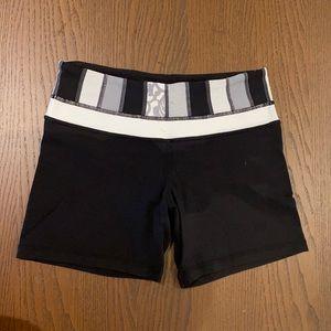 LULULEMON size 4 reversible shorts